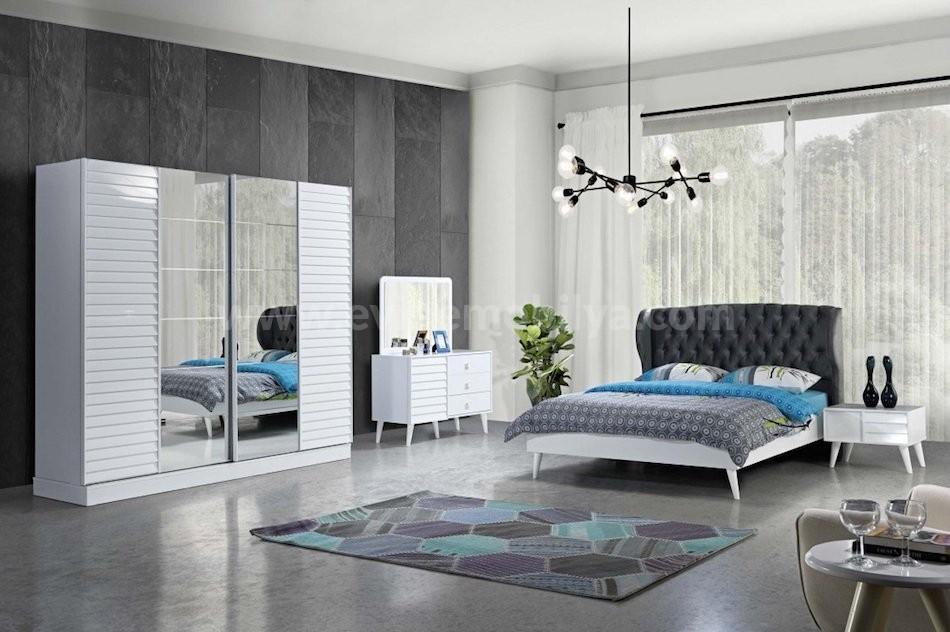 Esta Yatak Odası